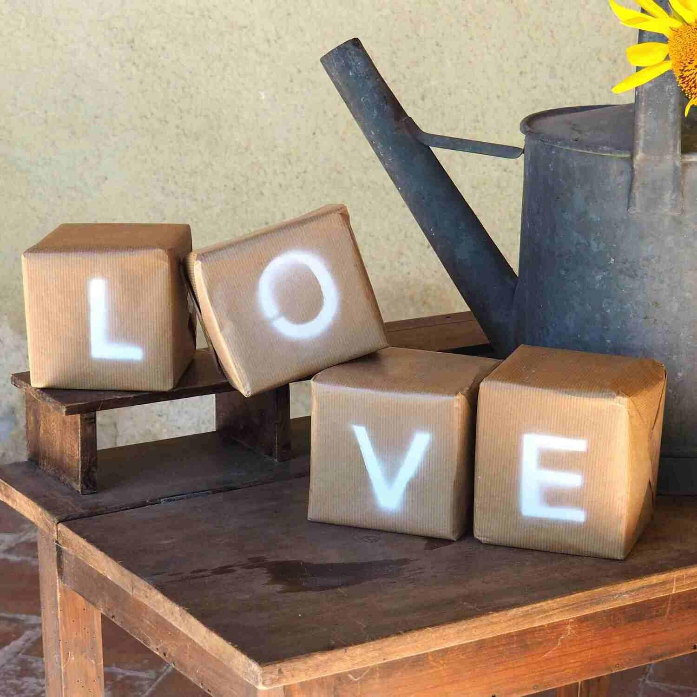 Cubes carton LOVE