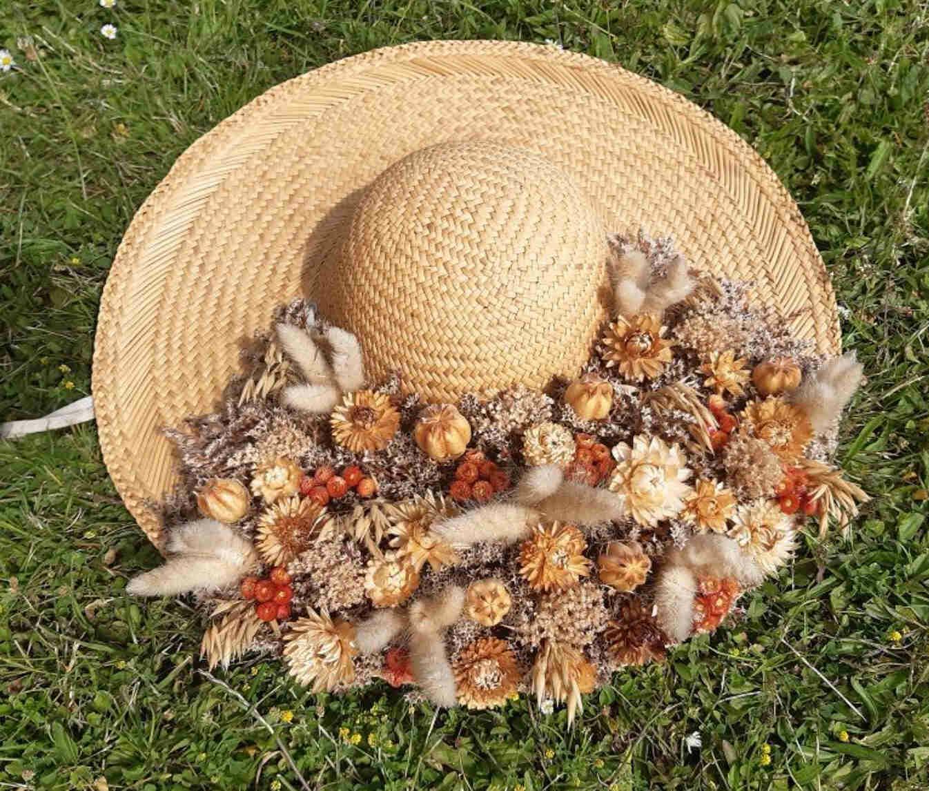 Chapeau de paille flaurs séchées
