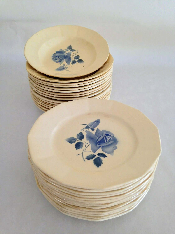 Assiette porcelaine bleue creuse