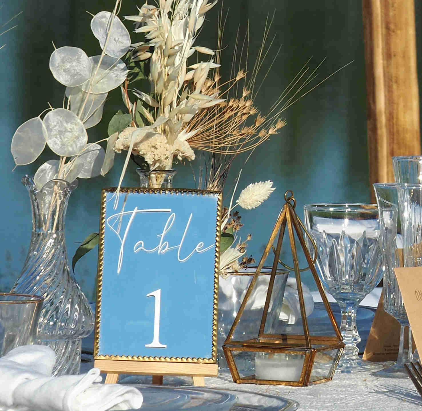 Numéro de table miroir doré