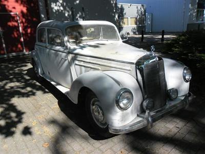 Mercedes 220 webasto  1953