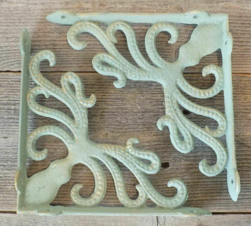 CAST IRON NAUTICAL OCTOPUS BRACKETS