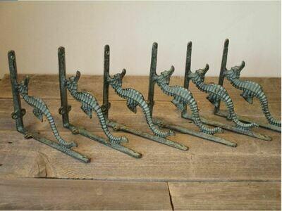 CAST IRON SEAHORSE BRACKETS