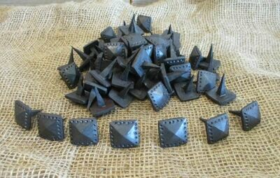 Black Hand Forged Square Distressed Iron Clavos 1