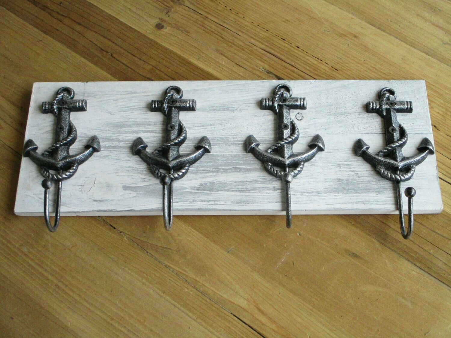 4 NAUTICAL ANCHOR HOOKS ON DISTRESSED BACK