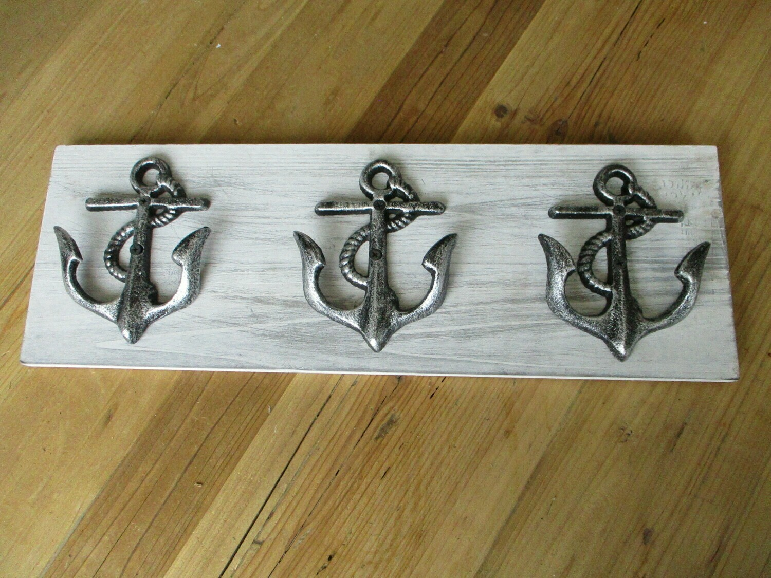 ANCHOR HOOKS ON DISTRESSED BACK