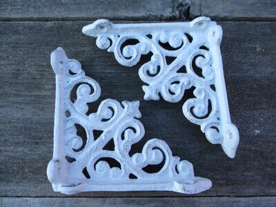 CAST IRON WHITE ARCHITECTURAL BRACKETS 4