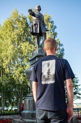 Футболка «г. Петрозаводскъ. Памятникъ Петру Великому»