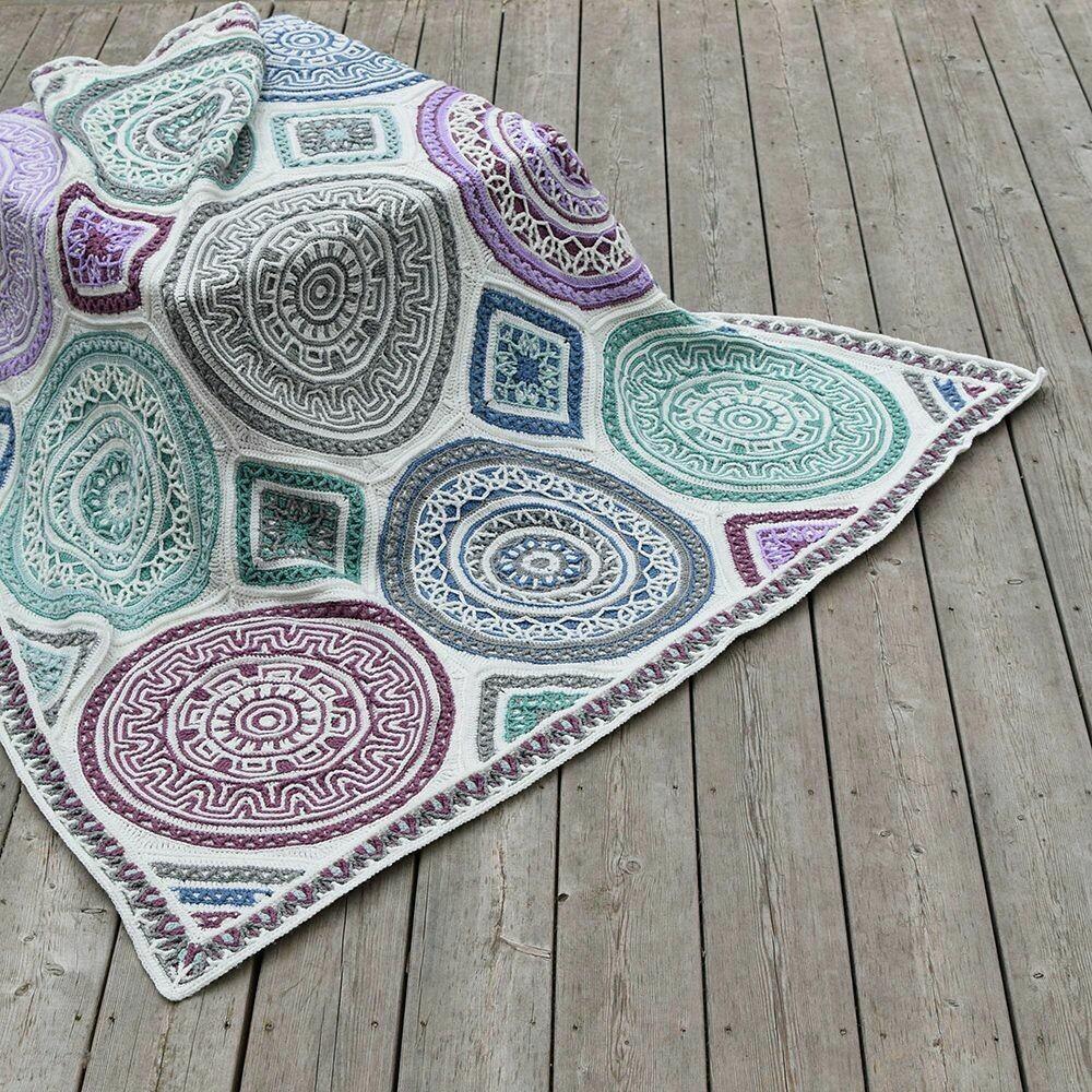 Labyrinth Blanket