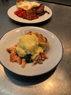 Soufflé Pancakes - Smoked salmon, spinach, egg, hollandaise