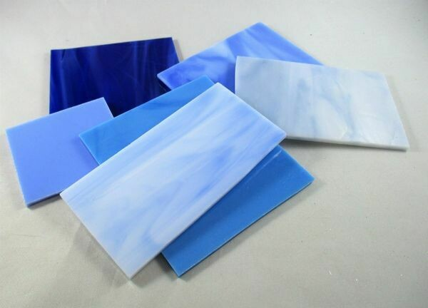 1/2 lb Assorted Blue Stained Glass Large Pieces