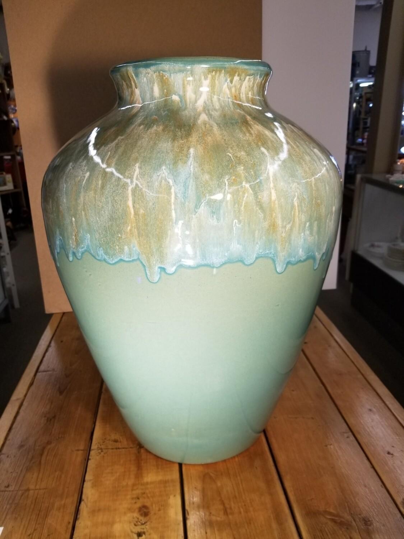 Floor Vase- Ransbottom, Roseville Ohio