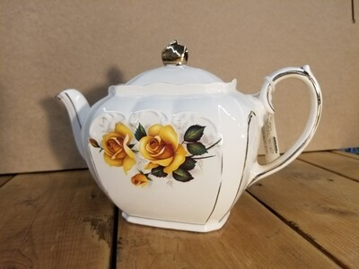 Sadler Teapot -Yellow Roses