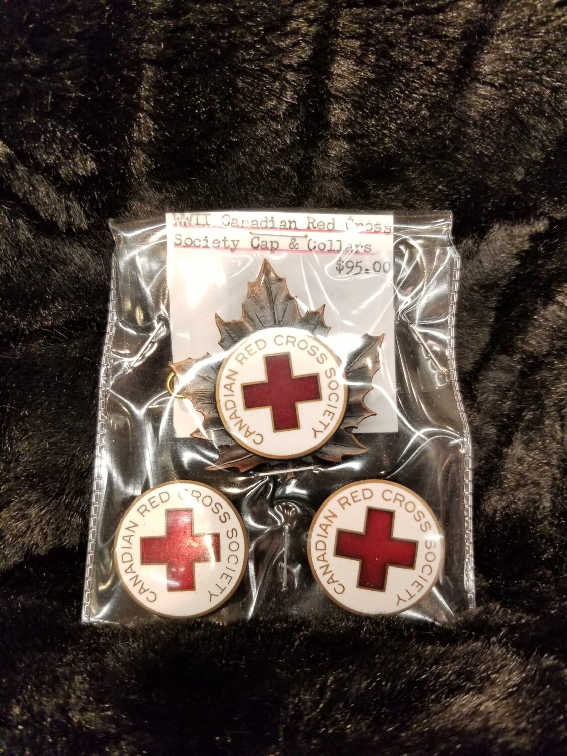 WW2 Canadian Red Cross Cap and Collar Pins