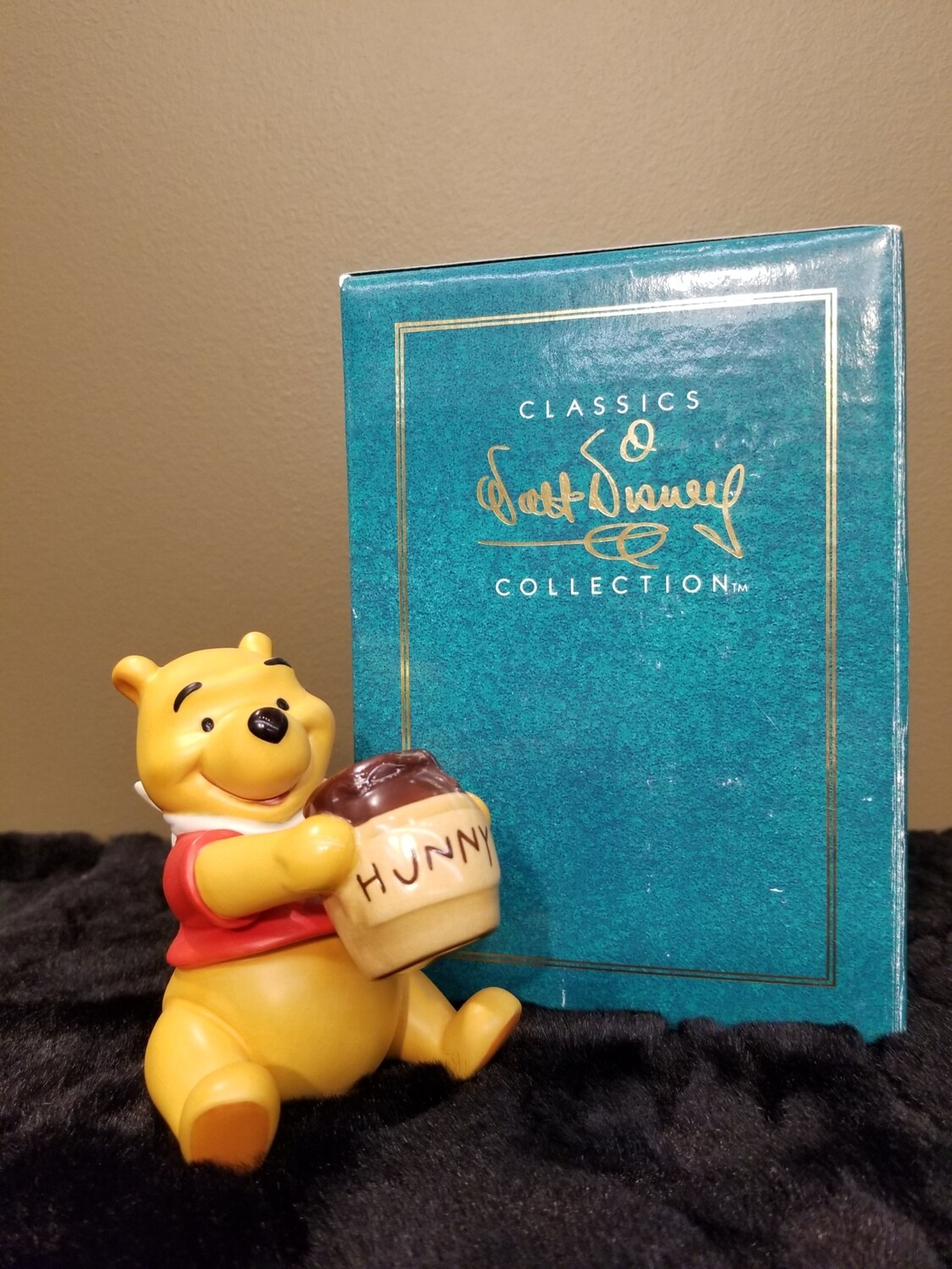 Winnie The Pooh- Disney Collection