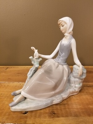 Lladro Girl With Dove