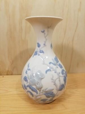 """Lladro """"Sparrows"""" Vase"""
