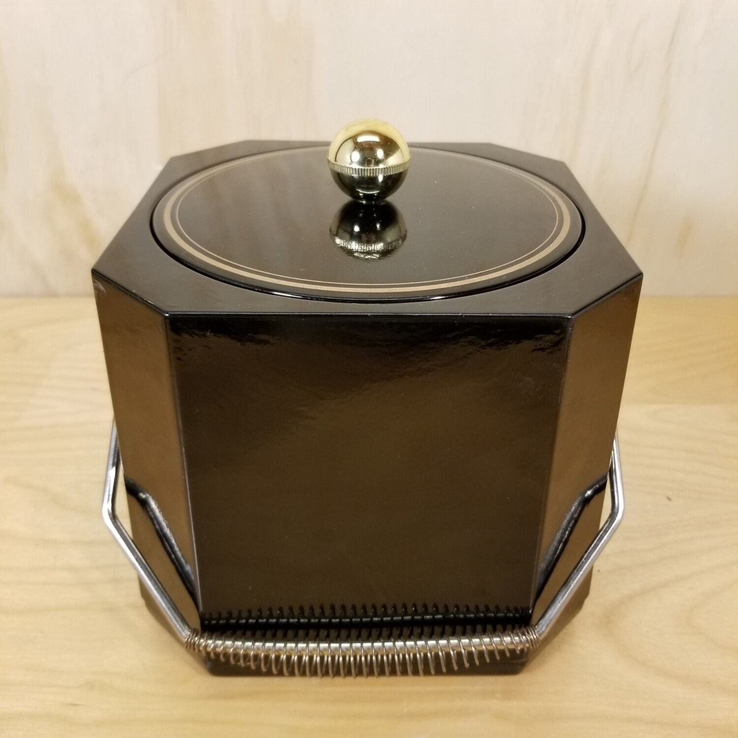 Black and Gold Ice Bucket