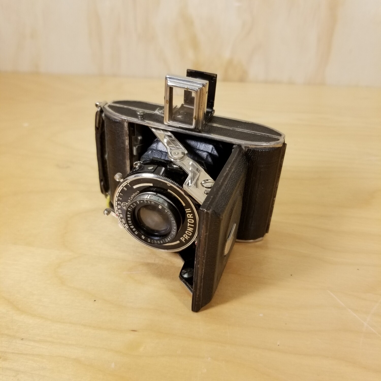 Vintage Prontor II Camera