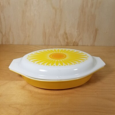 Pyrex Divided Dish + Lid
