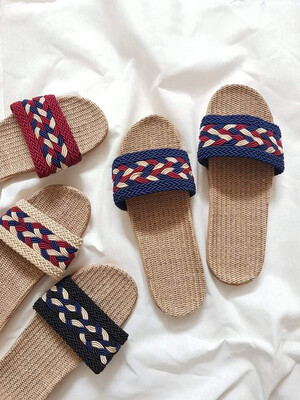 Natural Linen Slippers in Navy