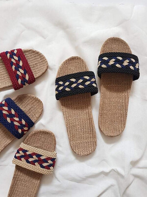 Natural Linen Slippers in Black