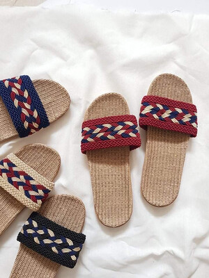 Natural Linen Slippers in Maroon
