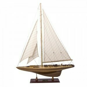 Endeavour Classic Wood Yacht