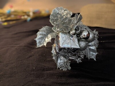 Silver glitter door wreath decoration pack of 12