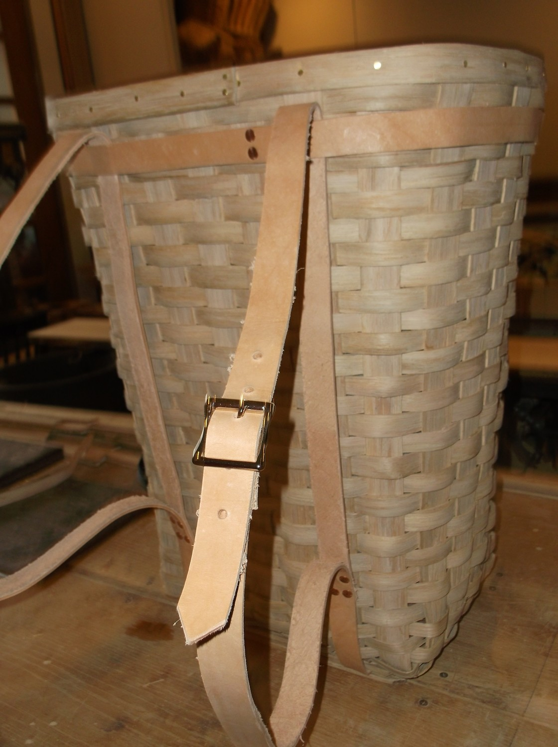 Pack/Trapper's Basket  - 17x13x21, Leather Harness