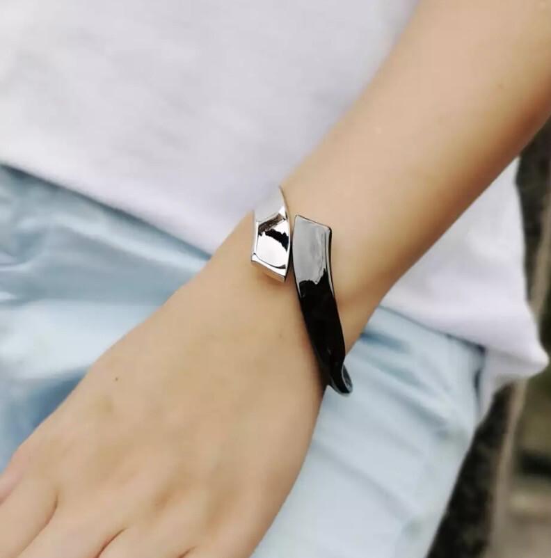 Clasp Bracelet