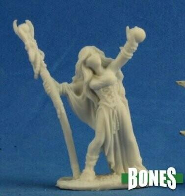 SARAH THE SEERESS - Bones - Reaper Miniatures