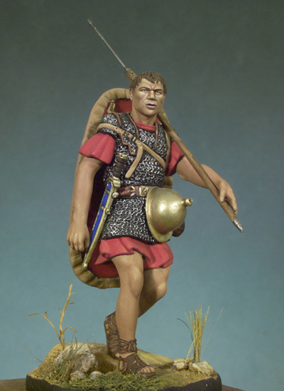 Roman Marching Soldier - 54mm - Andrea Miniatures