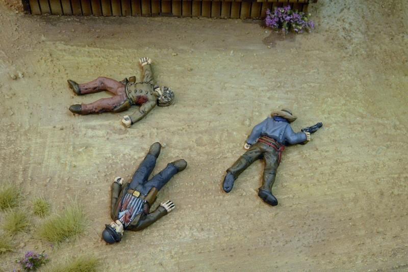 Outlaw Casualties - 3 Figures - 3 Figures - Dead Man's Hand