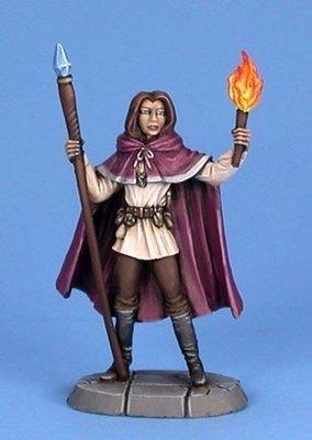 Female Mage - Dark Sword Miniatures