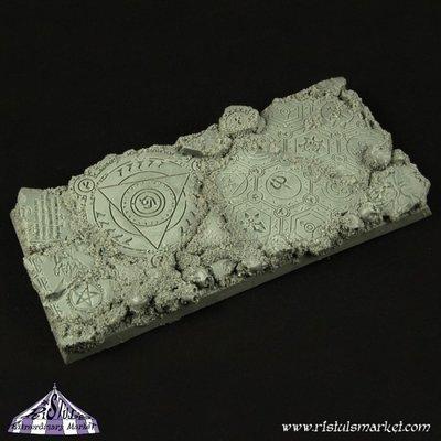 Dark Temple Ruins 50x100mm Square Base - Bases - Ristul