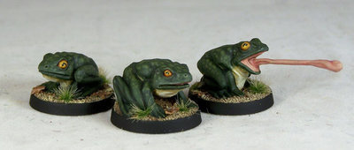 WE14a – Giant Frogs (3) - Otherworld Miniatures