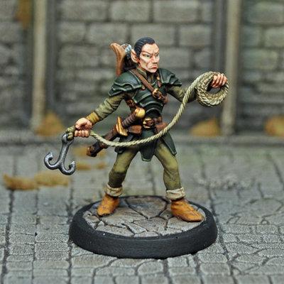 DAD5 – Male Elf Thief - Otherworld Miniatures