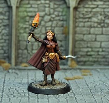 DAH16 – Human Female Magic User - Otherworld Miniatures