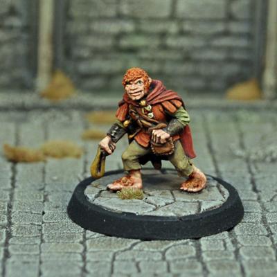 DAD12 – Male Halfling Thief - Otherworld Miniatures