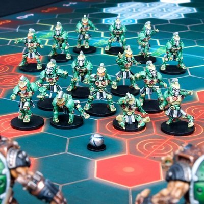 DreadBall Koeputki Kolossals Zees Team Box (10 Figuren)
