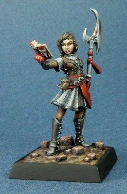 Hosilla - Pathfinder Miniatures - Reaper Miniatures