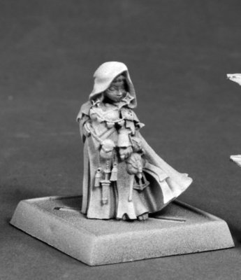Enora, Iconic Arcanist - Pathfinder Miniatures - Reaper Miniatures