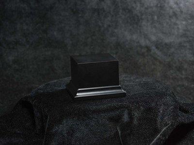 Wooden Base Black, 50x50x50mm - Sockel - Andrea