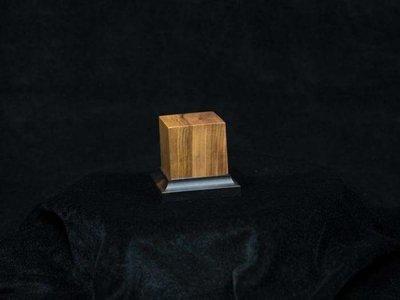 Noble Wood Olive, 40x40x50mm - Sockel - Andrea