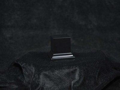 Wooden Base Black, 40x40x50mm - Sockel - Andrea