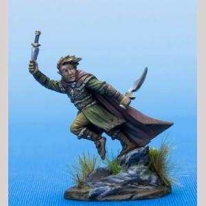 Hafling Thief with Daggers - Dark Sword Miniatures