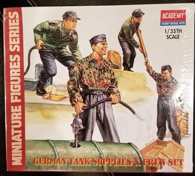 1/35 Scale - German Tank Supplies and Crew - Academy Hobby Model Kits