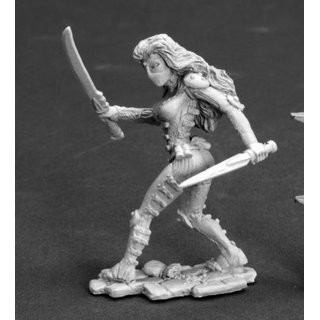 Lola Darkslip, Female Thief - Dark Heaven Legends - Reaper Miniatures
