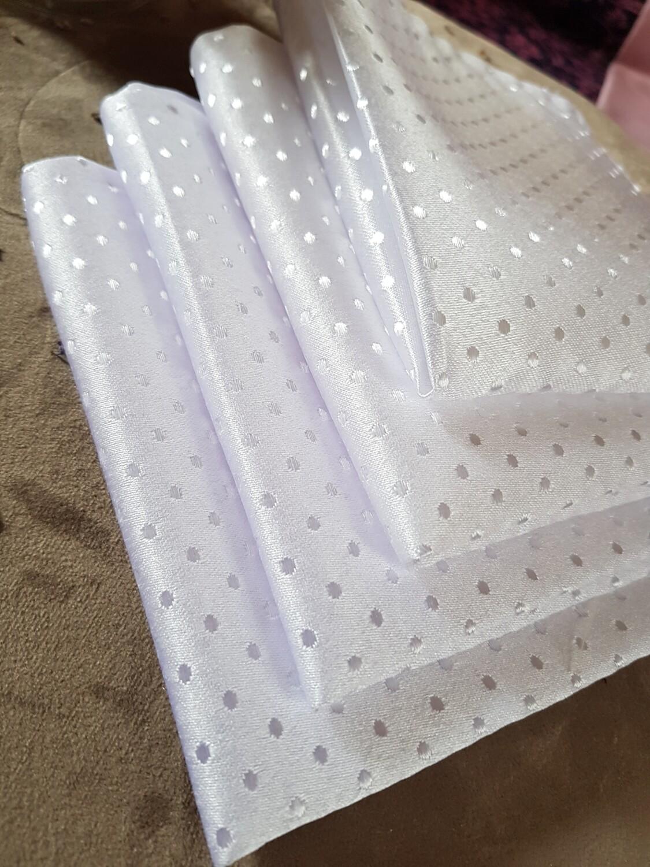 Servet brocart alb, model puncte, 30x30 cm